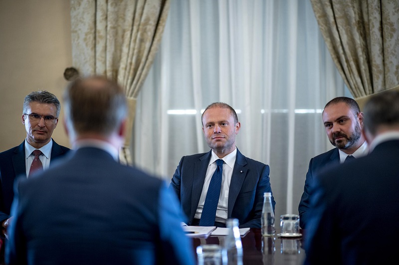 Joseph Muscat in a meeting with Omtzigt